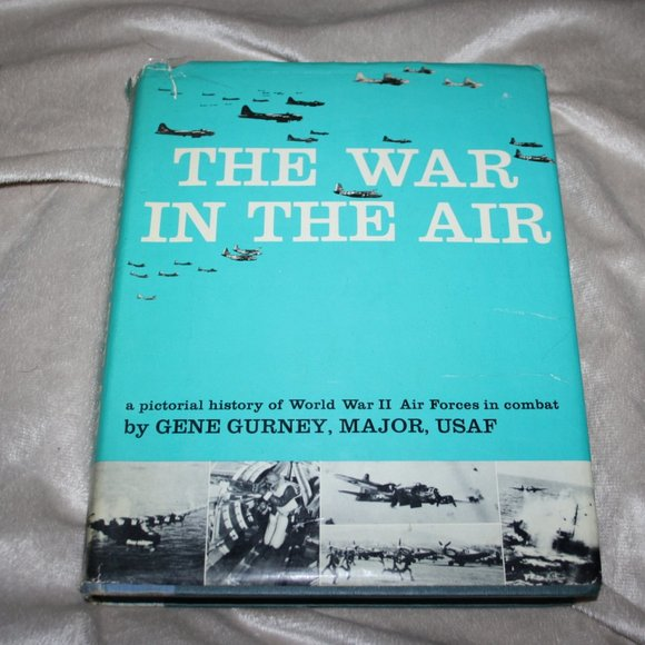 Big book The War in the Air Gurney
